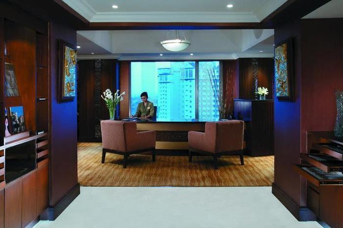 Shangri-la Surabaya - Executive Lounge