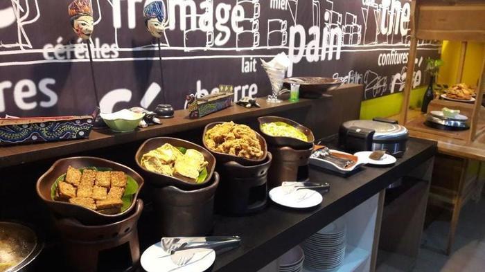 ibis Budget Surabaya Airport - Breakfast Area