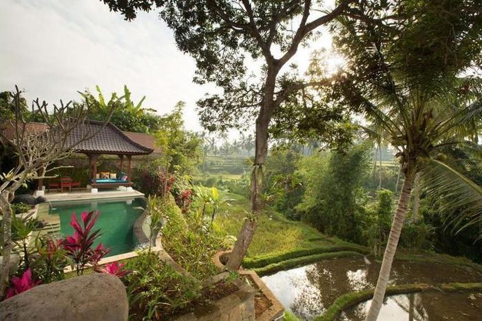 Dwaraka The Royal Villas Bali - Property Grounds