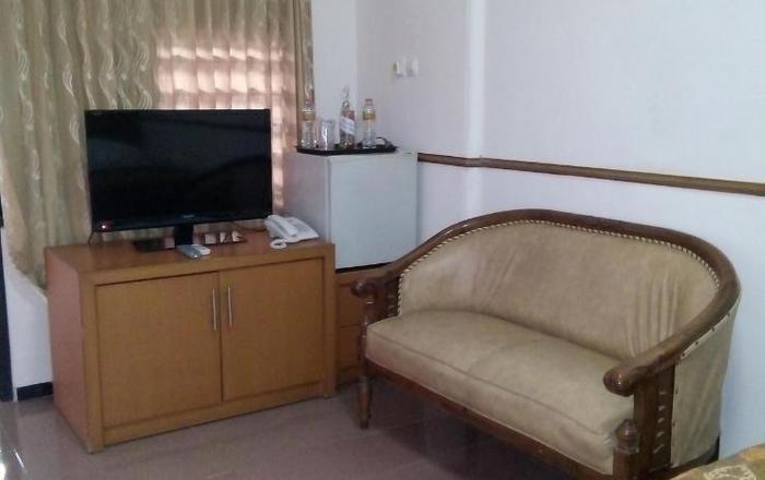 New Merdeka Hotel Jember - Rooms