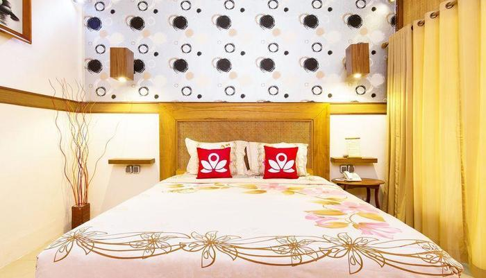 ZenRooms Lombok Raya Senggigi Lombok - Tampak tempat tidur double