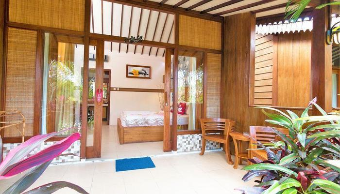 ZenRooms Lombok Raya Senggigi - Teras