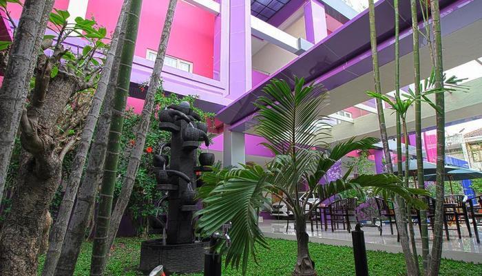 Twin Star Hotel Solo  - Taman