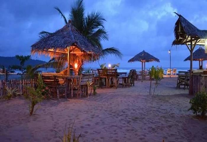 Bamboo House Pangandaran - Pantai