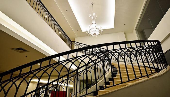 ZEN Premium Mampang Tendean Jakarta - Interior Hotel