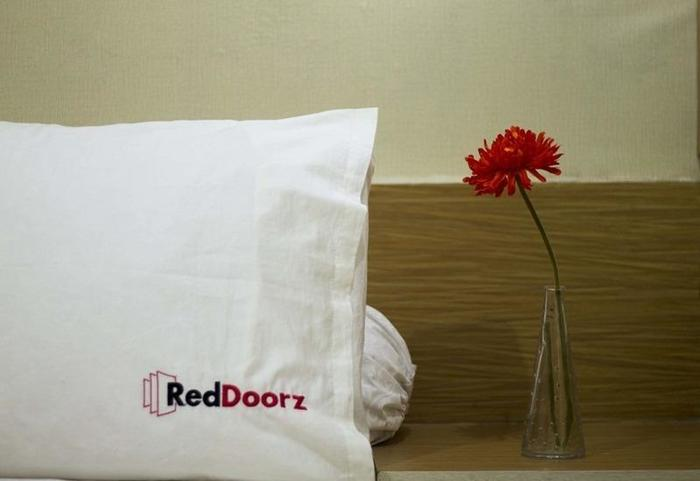 RedDoorz @ Lombok Bandung - Kamar tamu