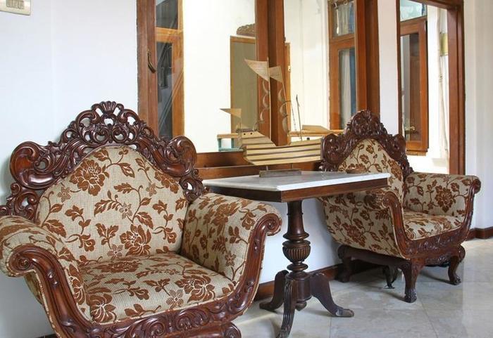 RedDoorz @ Lombok Bandung - Interior