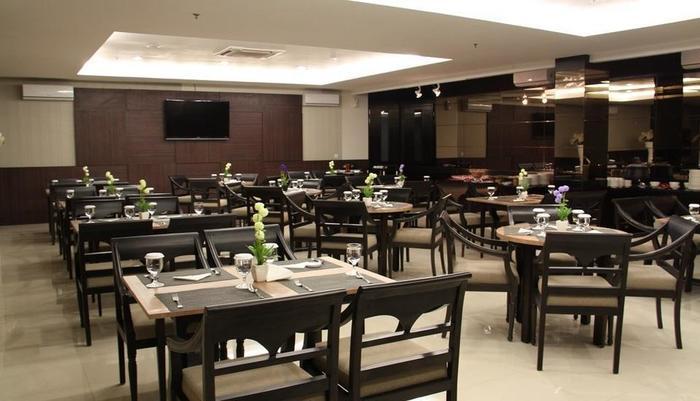 HOM Gowongan Platinum Hotel Yogyakarta - Restaurant