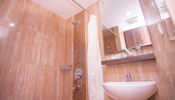 HOM Gowongan Platinum Hotel Yogyakarta - Kamar mandi