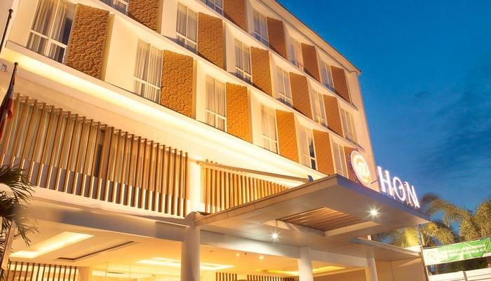 HOM Gowongan Platinum Hotel Yogyakarta - Eksterior