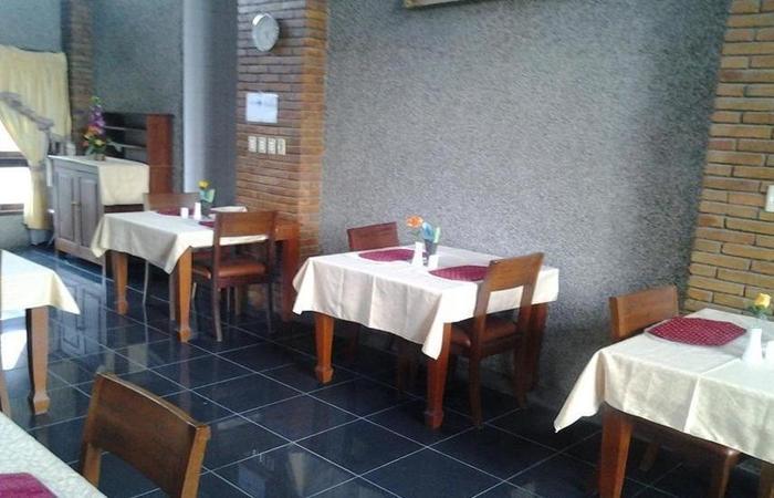 Sapadia Parapat Danau Toba - Restoran