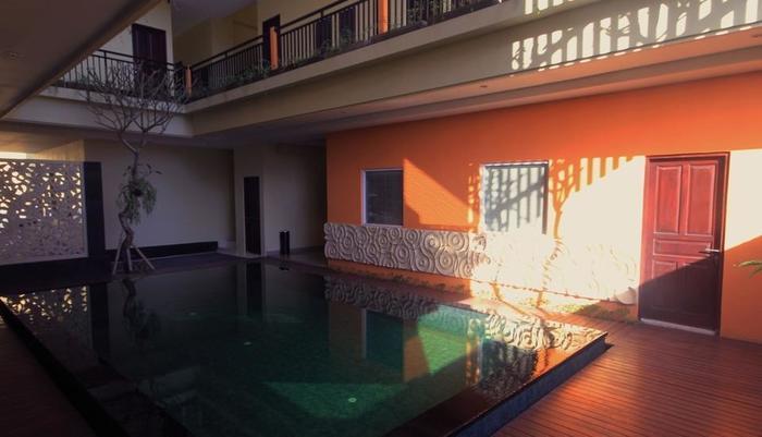 The Agung Residence Seminyak - Kolam Renang