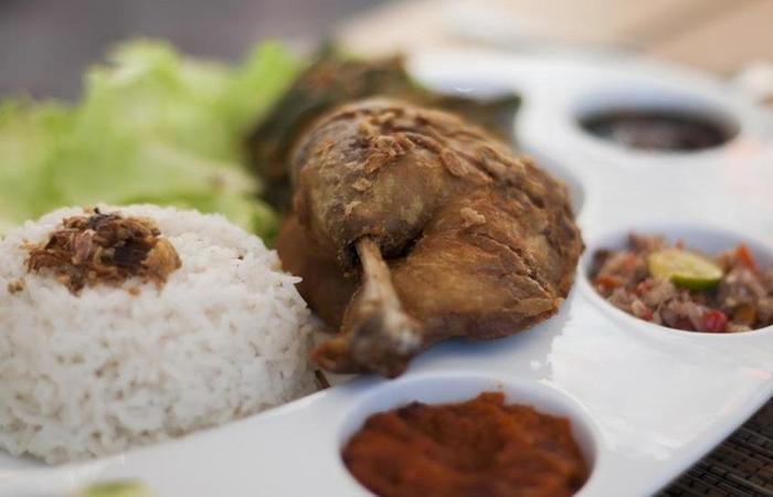 Kubal Guest House Seminyak - Food
