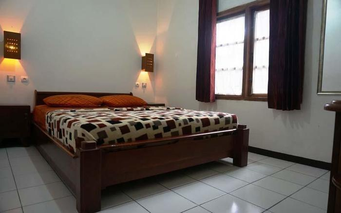 Pondok Buah Sinuan Bandung - Standard Room for 2 Persons with 1 Double Spring Bed