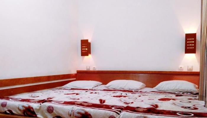 Pondok Buah Sinuan Bandung - Economy Small Family Letak kamar di lantai dasar, tanpa teras depan kamar