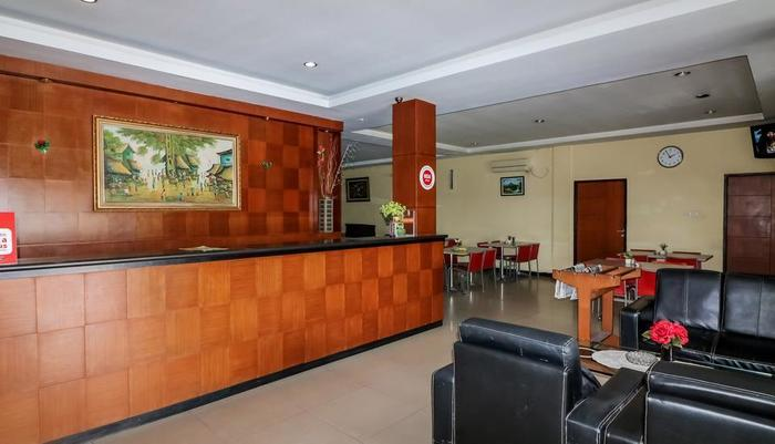 NIDA Rooms Tampan SM Amin - Resepsionis