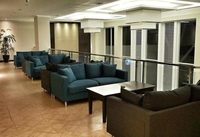 M Premiere Hotel Bandung - Living Room