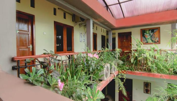 Sabana Homestay Yogyakarta - garden