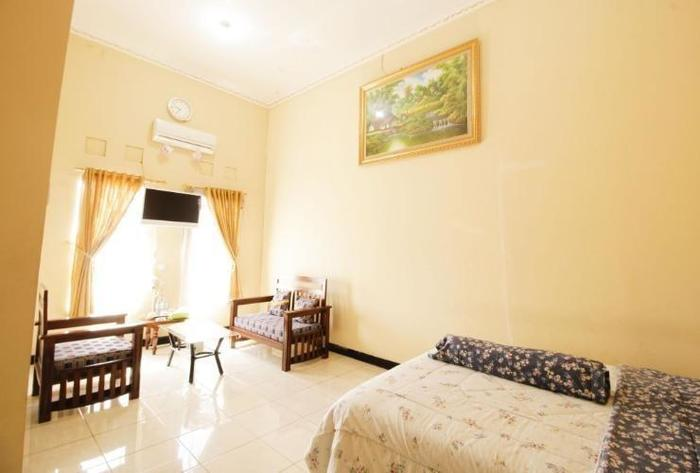 Hotel Ramayana Garut - Superior Room