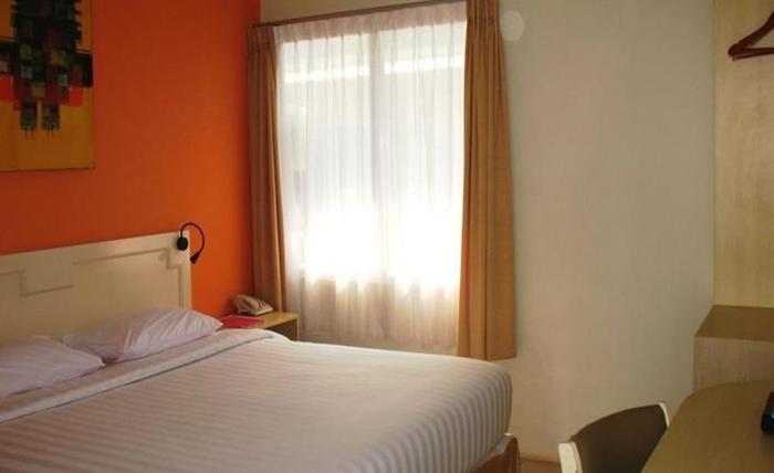 Cengkareng Transit Hotel Tangerang - Kamar tamu