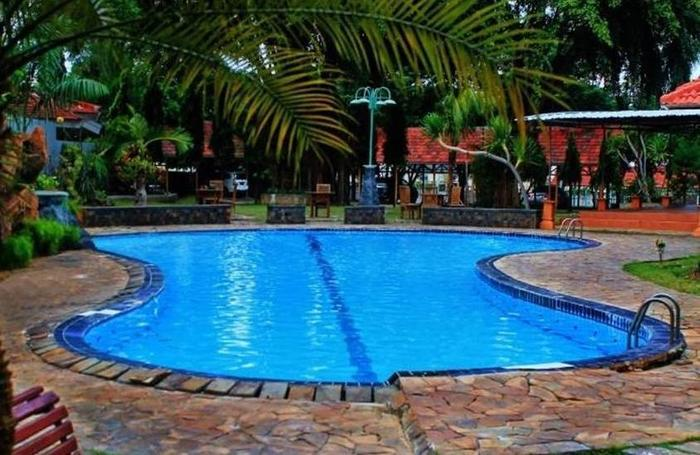 Grand Mozza Wilis Resort Tuban - Kolam Renang