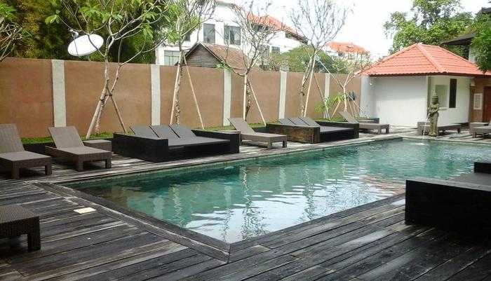 Mirah Hostel Bali - Kolam Renang