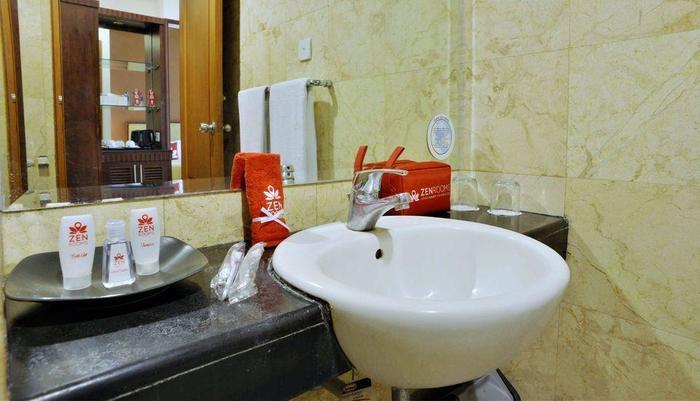 ZEN Rooms near Grand Indonesia Mall Jakarta - Kamar mandi