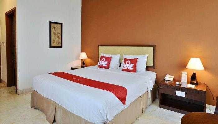 ZEN Rooms near Grand Indonesia Mall Jakarta - Tampak keseluruhan