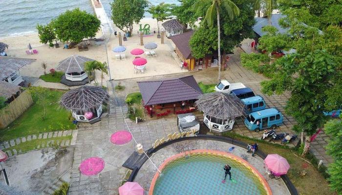 La Merry Resort Manado - Balcony View