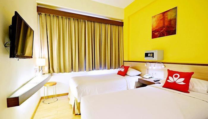ZenRooms Kuta Sentral Parkir 2 Bali - Tampak tempat tidur twin
