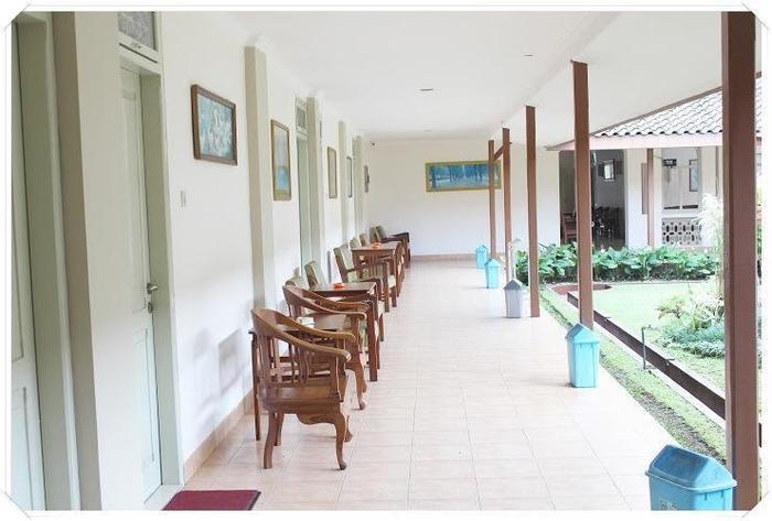 HOTEL BESAR Purwokerto - Teras