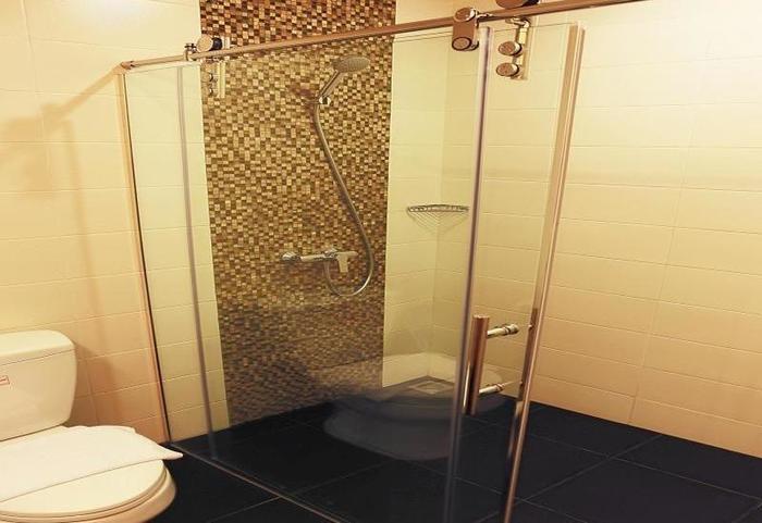 Citihub Hotel at Pecindilan Surabaya - Kamar mandi