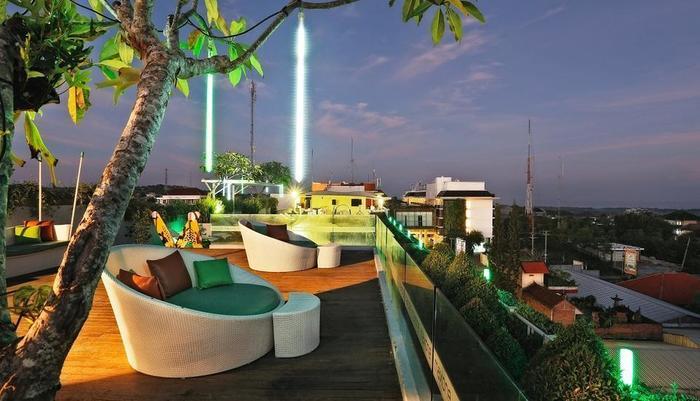 MaxOne Hotels Bukit Jimbaran - Lounge puncak gedung