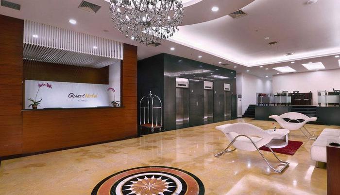 Quest Hotel Surabaya - Lobi