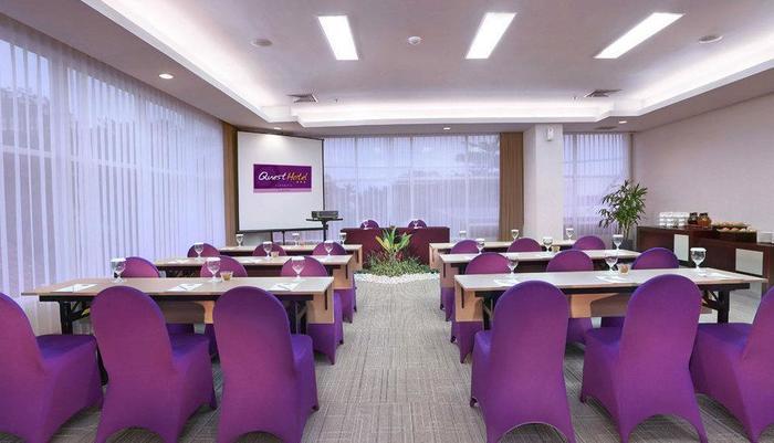 Quest Hotel Surabaya - Ruang Rapat
