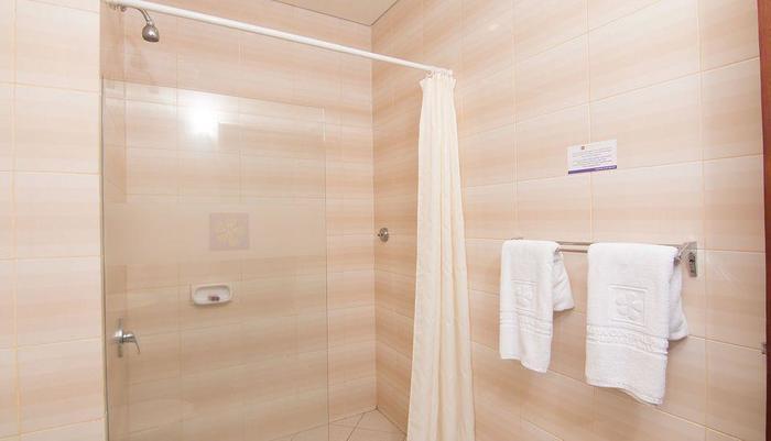 ZenRooms Kuta Sentral Parkir 1 - Kamar mandi