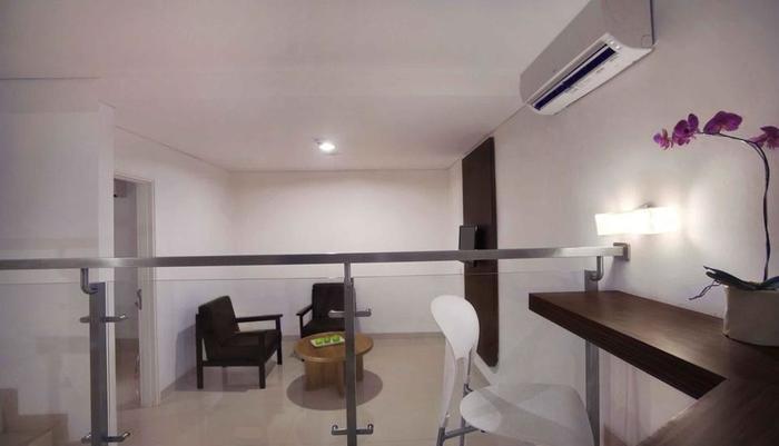 Fave Hotel Cililitan - Premier Room
