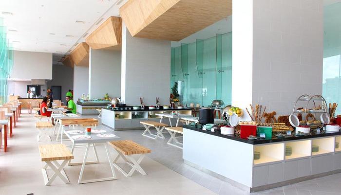 HARRIS Hotel Surabaya - Restaurant
