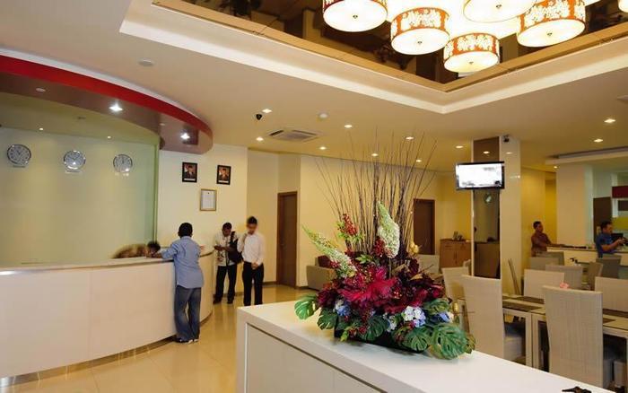 Putra Mulia Hotel Medan - Resepsionis