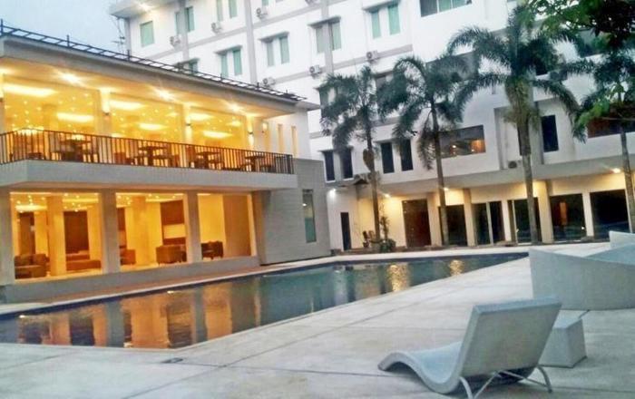 Sheo Resort Hotel Bandung - Swimming Pool