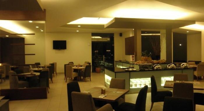 Grand Cikarang Hotel Bekasi - 3