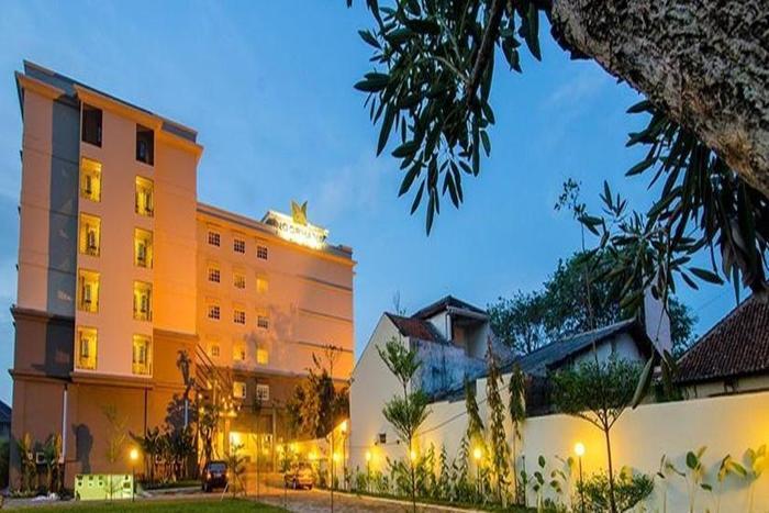 Noormans Hotel Semarang - Tampilan Luar Hotel