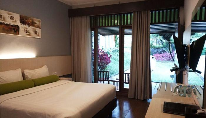 The Green Forest Resort Bandung - Deluxe King