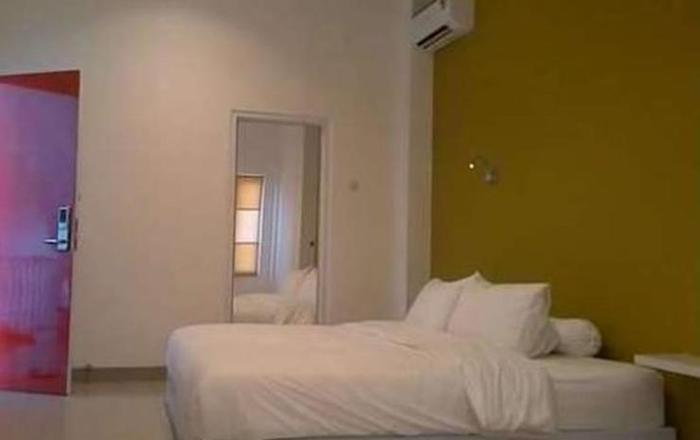 Golden Snail Guest House Balikpapan - Guest Room