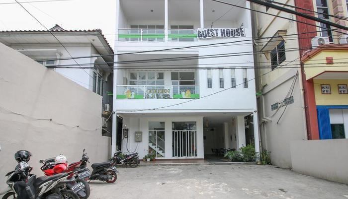 Golden Snail Guest House Balikpapan - Exterior