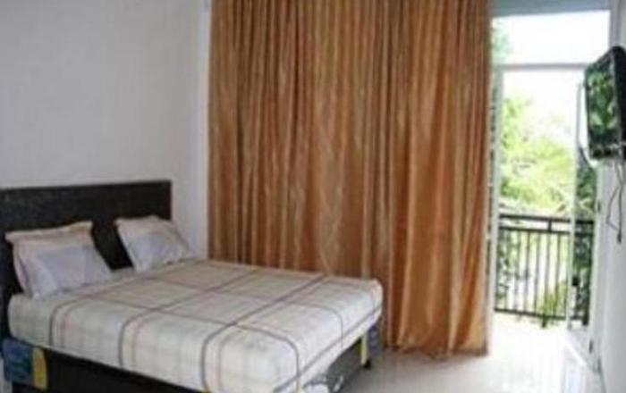 Kanaka Giana Hotel Makassar - Room