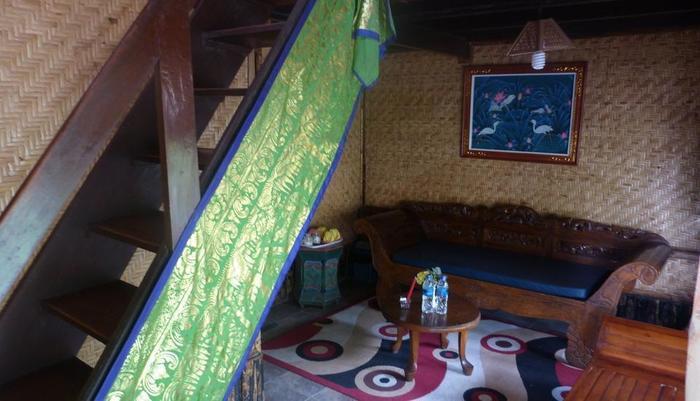 Yoschi's Hotel Probolinggo - Family2