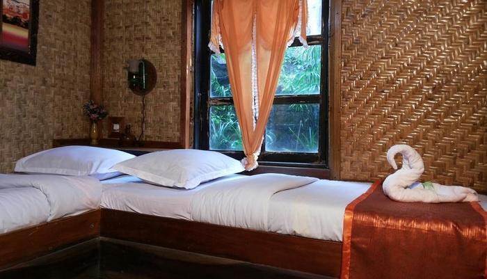 Yoschi's Hotel Probolinggo - Bed Family Room