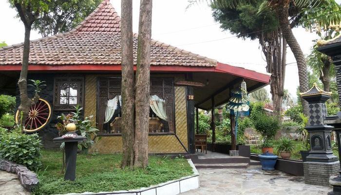 Yoschi's Hotel Probolinggo - bungalow