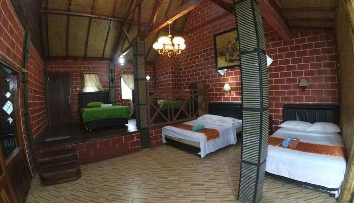 Yoschi's Hotel Probolinggo - room